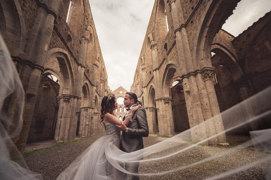 Sabrina e Francesco - Honeymoon a San Galgano 04
